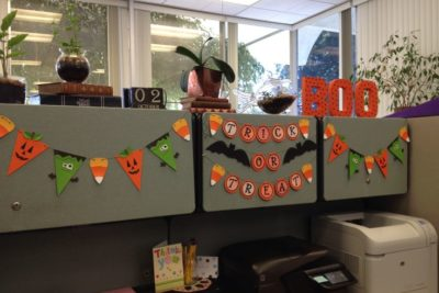 Halloween Cubicle Decorating Ideas